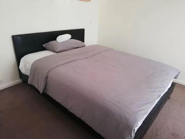 Clean Cozy Room #G in quiet suburb Belconnen
