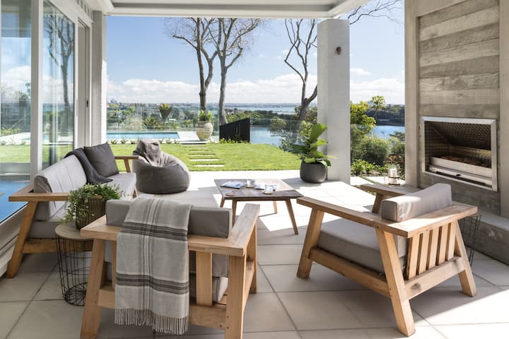 Luxury Clifftop Newly Renovated Home