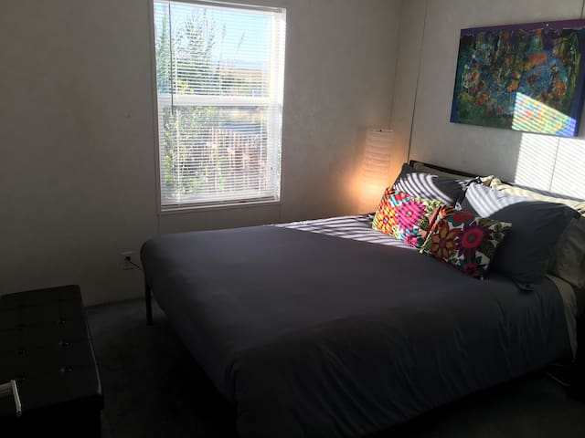 Quiet bedroom near Ken's Lake, A