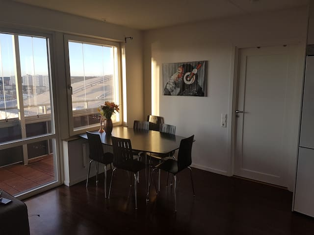 Modern apartment just by friends arena - Solna - Lägenhet