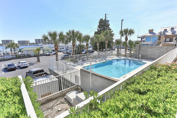 Destin Harbor Walk Retreat Barataria Condo