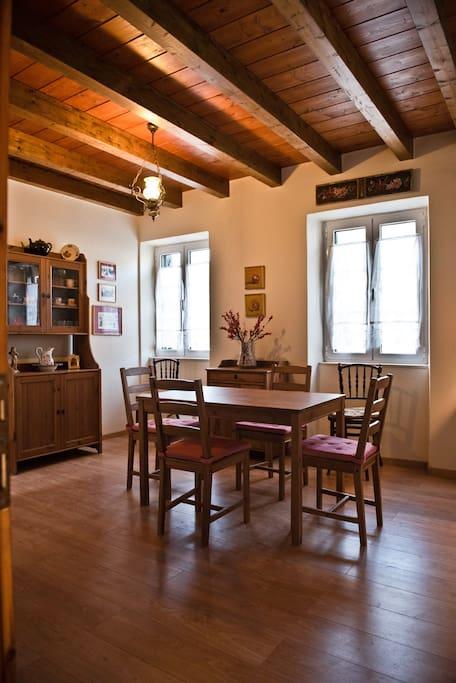 Dining room - Τραπεζαρία