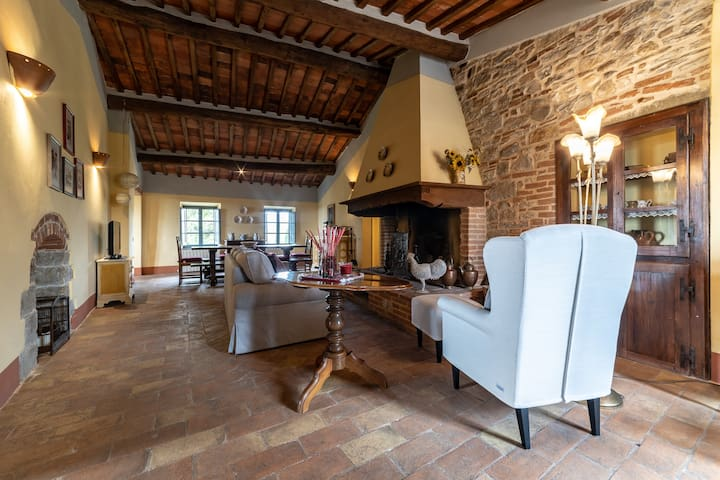"Charming ""Chianti style"" apartment"