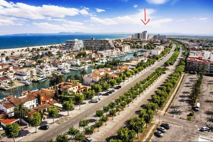 Lovely apartment 50m from the beach!