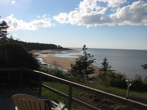 Beachfront Cottage in Fox Harbour