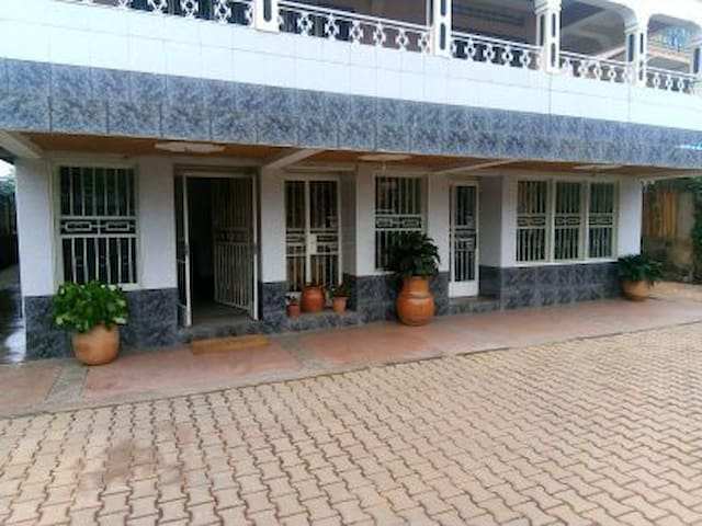 COLONIAL RESIDENCE, serene and beautiful