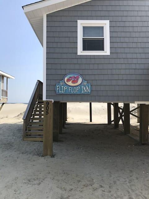 Ocean Front, Pet Friendly, Home on Oak Island