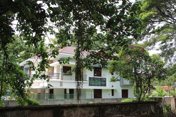 Rain Tree 2:  your home in the heart of Alappuzha