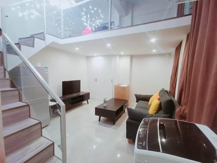 老城区闹市中心王府井熙苑双层精装现代公寓