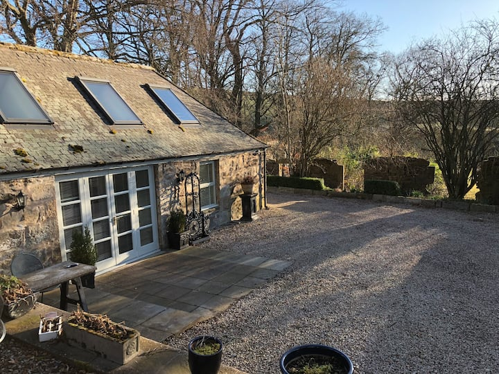 The Stables - standalone cottage