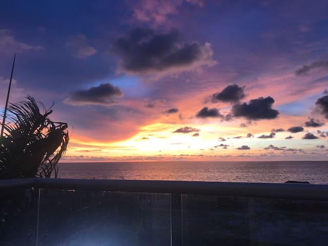 Manzanillo Sunset / Beachfront / Ocean Views
