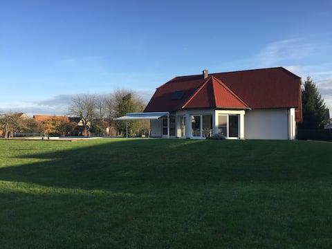 """""""Les Deux Clés"""" Maison calme avec piscine à Roeschwoog"""