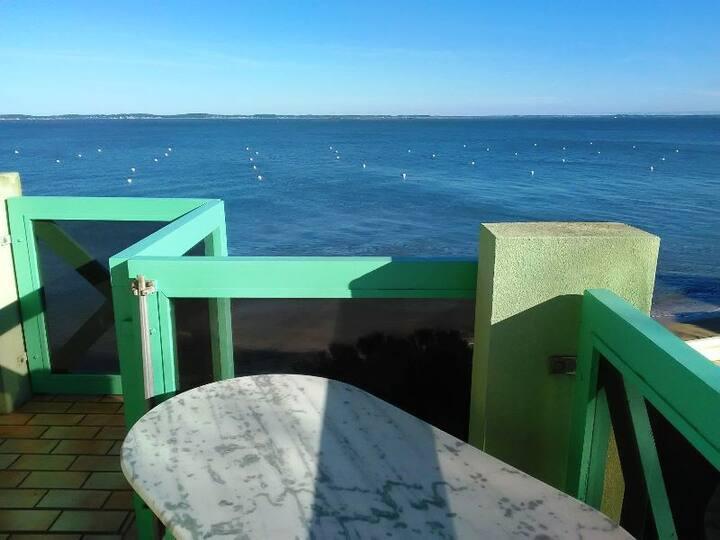 T2 vue sur mer, terrasse, 5 minutes  centre ville