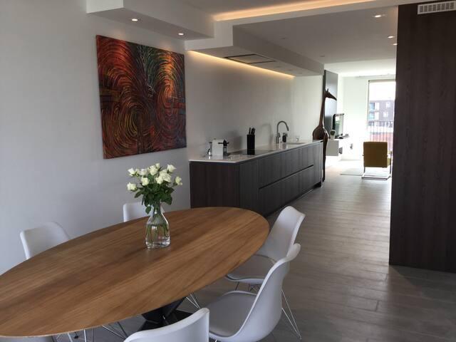 uniek design appartement bij Eilandje Antwerpen