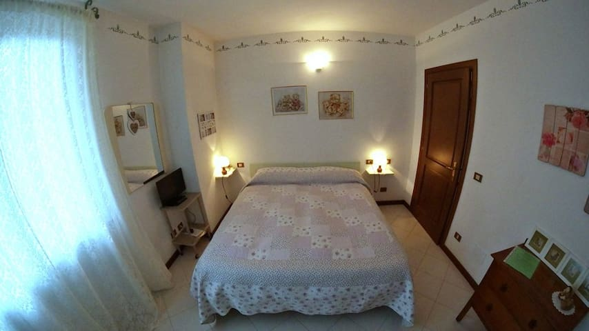 Una camera a due passi dal mare.... - Follonica - Bed & Breakfast