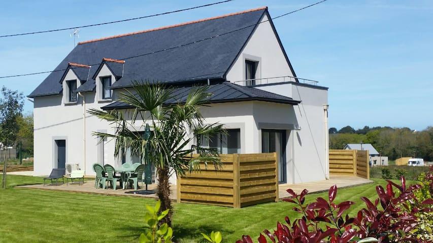 Nice house 1.5 km from the beach - Saint-Lunaire - Casa