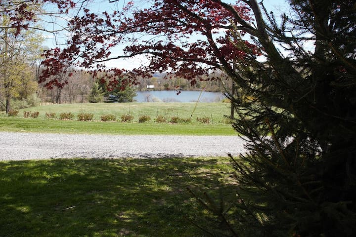 Gorgeous Lakeview Retreat/Farmstay near NYC Rt. 80
