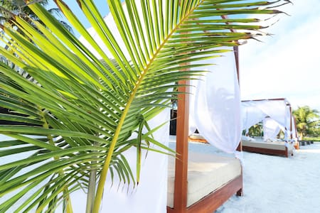 Luxury Cabana By Los Amigos Beach