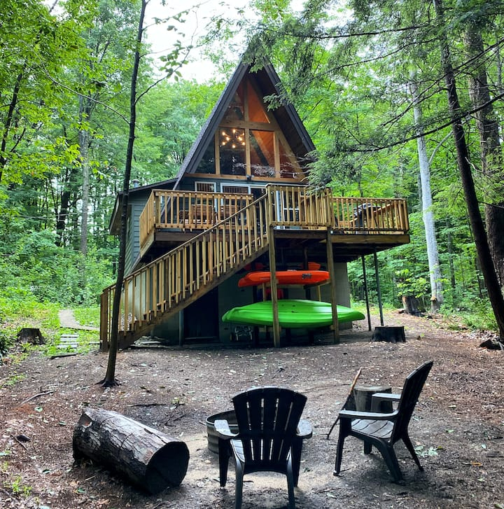 MichiganAFrame (Manistee Lake) Kalkaska, MI: Sleeps 4, Kayaks Included