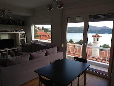 Kastoria Lake View modern central appartment 110m
