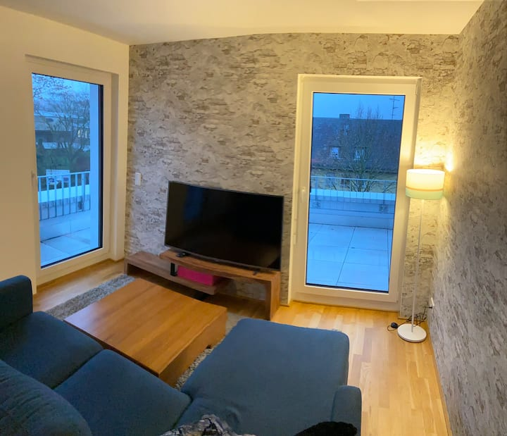 Wunderschöne 3 Zimmer Penthouse Wohnung Messe Ffm