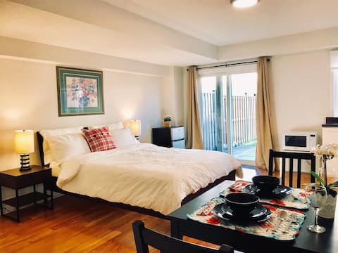 Bright and cozy apartment close to all amenities