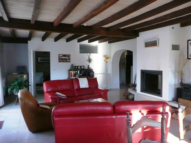 Ferme ancienne lumineuse à l'ambiance cosy - Saint-Jean-de-Marsacq - House