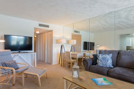 Indian Shores Fl  2 bd 5 Star Rated! May 3-13 - Indian Shores - Lejlighed