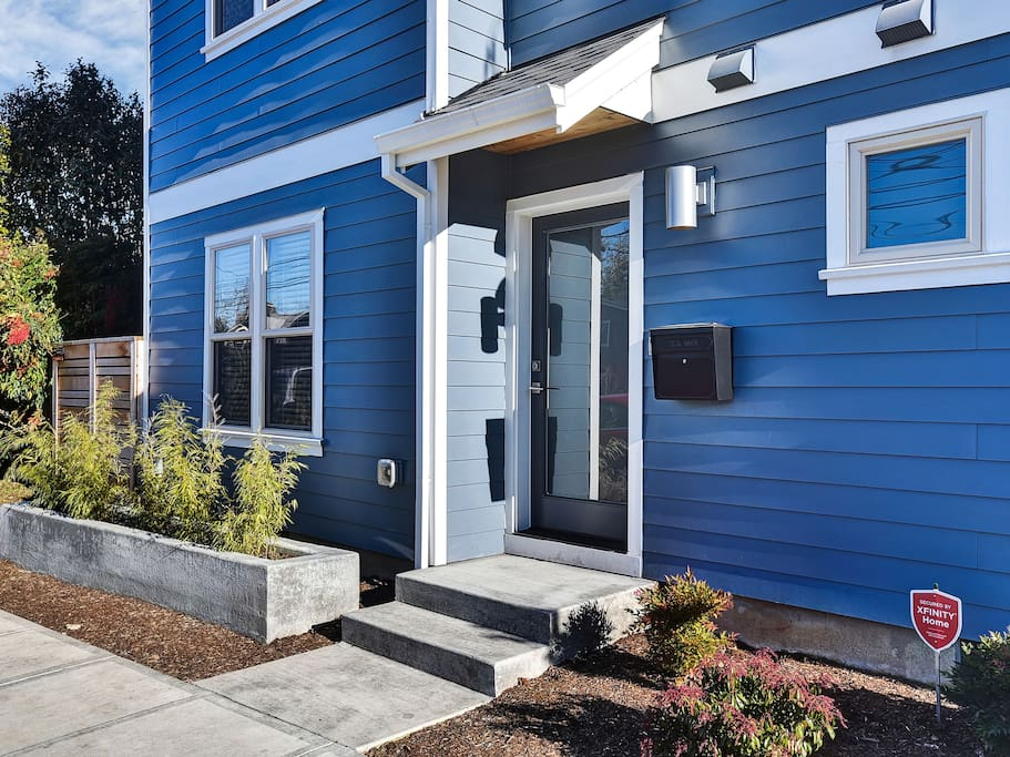 Yukon getaway one bedroom in sellwood apartments for for 1 bedroom apartments portland oregon