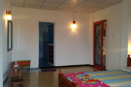 Deluxe room with air-condition - Hikkaduwa, Southern Province, LK - Διαμέρισμα
