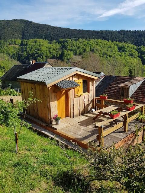Cabane en Ariège à 1000 m face au Mont Valier.
