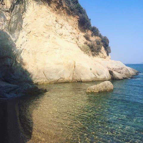 Gavriadia beach - in front of the villa