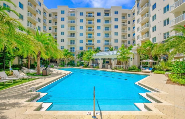 Waterfront Getaway w/ Heated Pool, Close To Beach!
