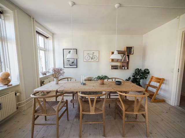 Spacious and cool apt in trendy, vibrant Vesterbro