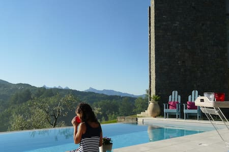 Apment360°ViewsInfinityPool BAGNONE - Villafranca in Lunigiana - Apartemen