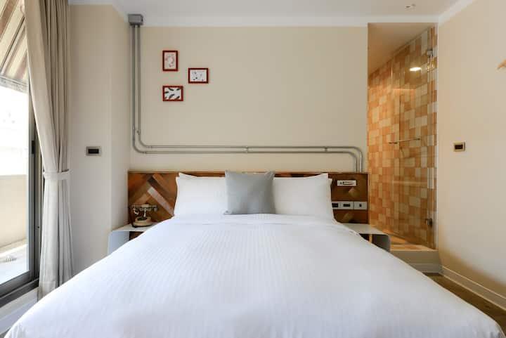 SC.網美拍照聖地!歐式古典風格·陽台+大浴缸豪華雙人房