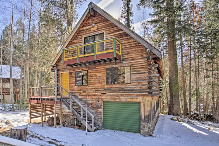 NEW! 3BR Log Home w/ Deck in Sequoia Natl Forest!