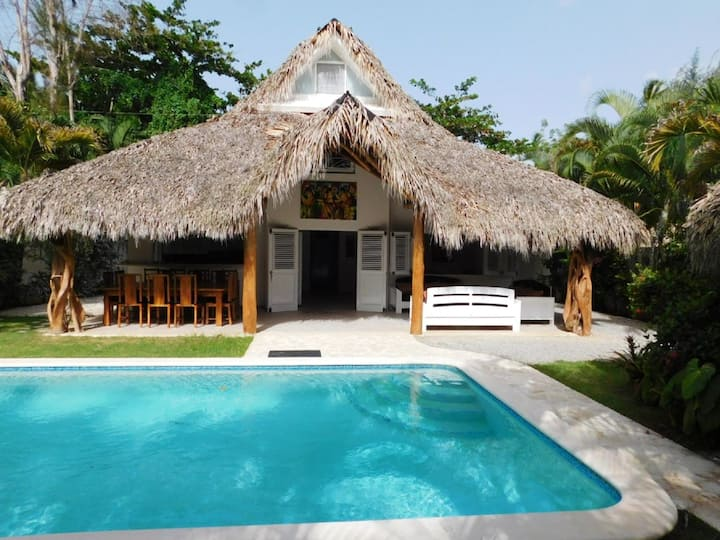 House with 4 bedrooms in Las Terrenas, with private pool, enclosed garden and WiFi - 250 m from the beach