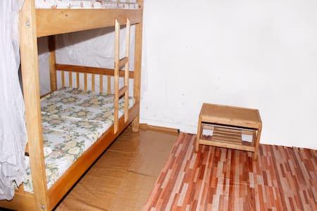 Shared Room Bunked Bed - 坎帕拉