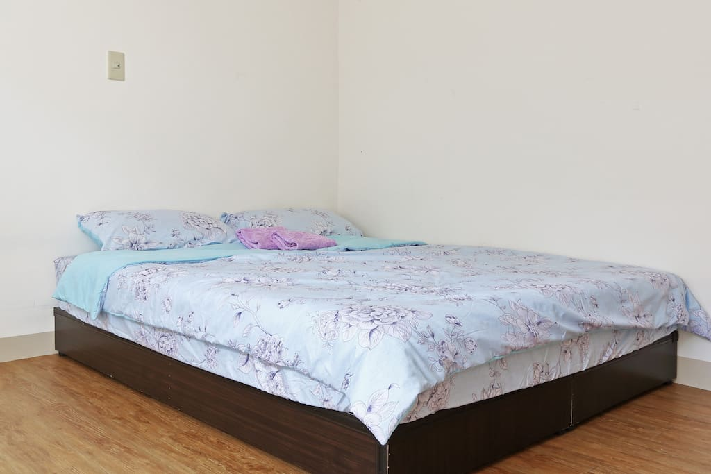 Twin bed for 2 guests