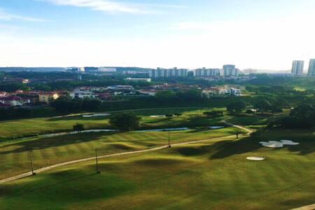 Solo Female - Golf View Private Room - Kuala Lumpur