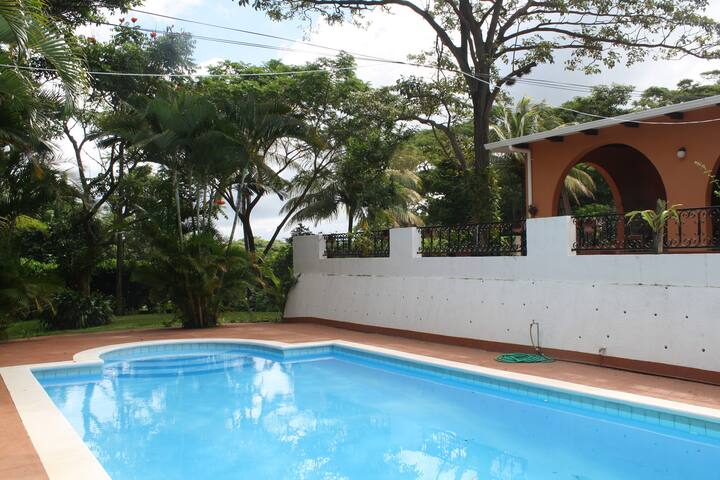 Nice appartment with Pool in awesome surrounding - Managua - Pis