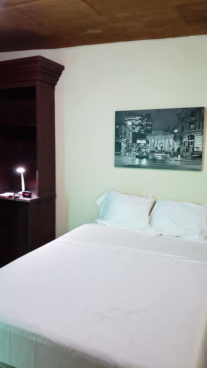 Domus Hotel (Lon Room) for $33 for up to 2 ppl!