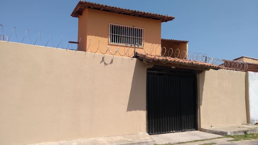 Casa simples próximo a praia de Atalaia - PI