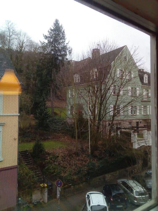 Blick auf dem Schloss aus dem Schlafzimmer