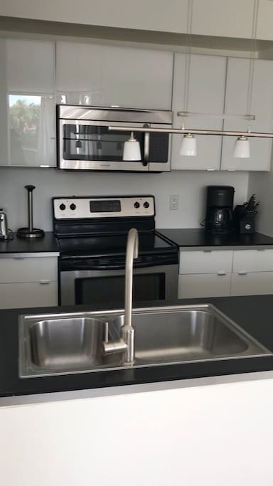 Kitchen with fill amenities
