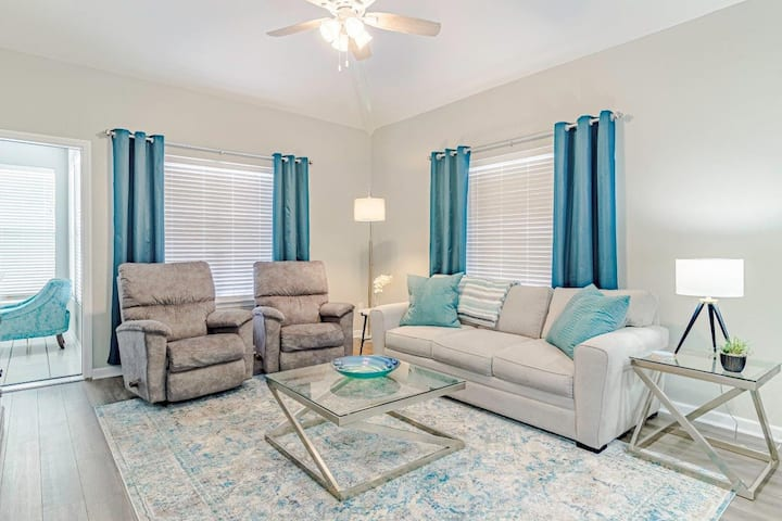Top Floor | Golf Views | Updated | Wi-Fi | Close to 76 (071906)