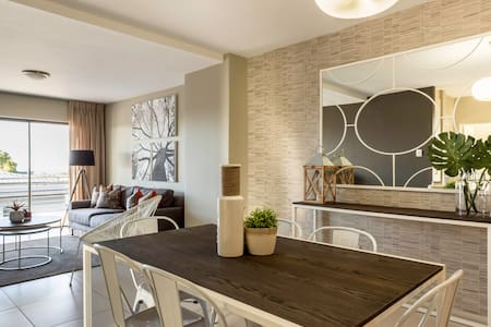 C.A.G Two Bedroom Apartment at The Hub - Sandton - Wohnung