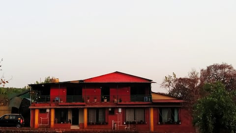 2 Private bedroom for 4/8 people in Mahabaleshwar