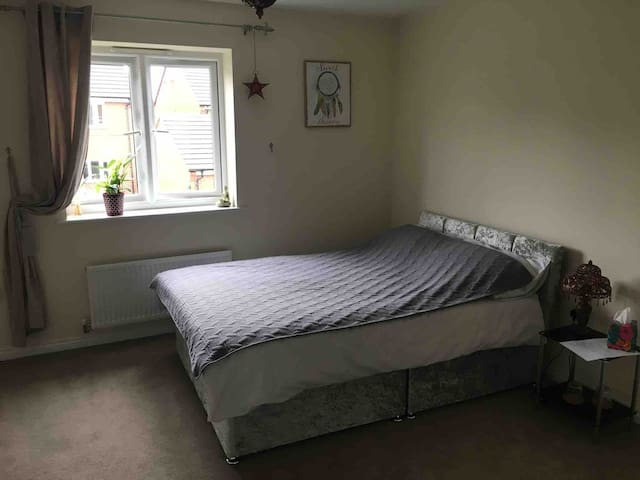 Double bedroom in a spacious semi terraced house
